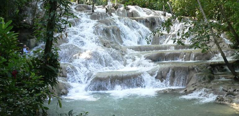 Dunns-River-falls Jamaica