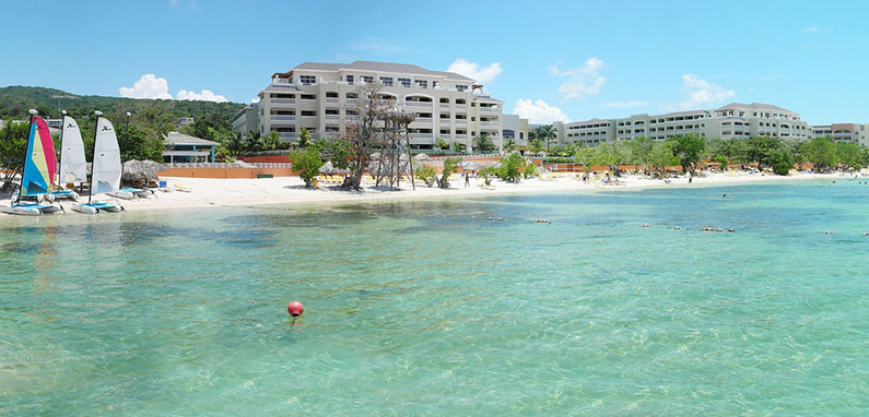 montego-bay-hotel-on-the-beach