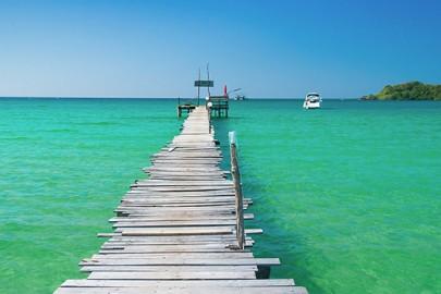 dock-leading-to-caribbean-bay