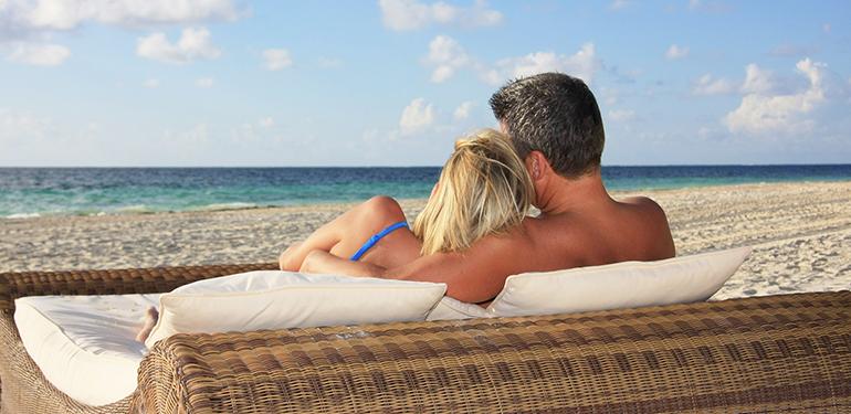 couple-on-grand-exuma-bahamas-beach