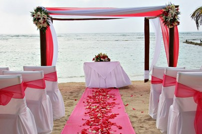 caribbean-destination-wedding-on-beach