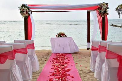 caribbean-destination-wedding-on-beach